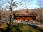 Red Oak Cabin overlooks Wapsipinicon River on a bluff - Linn County