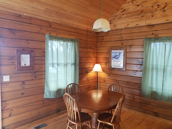 Cabin 3 dining table chairs