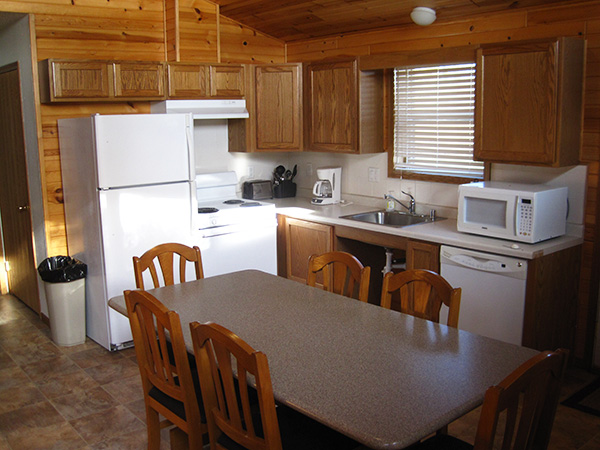 Falcon Cabin - Kitchen